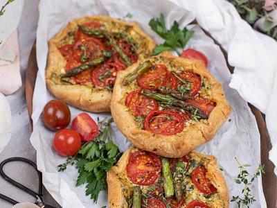Tomaten Galette mit Spargel