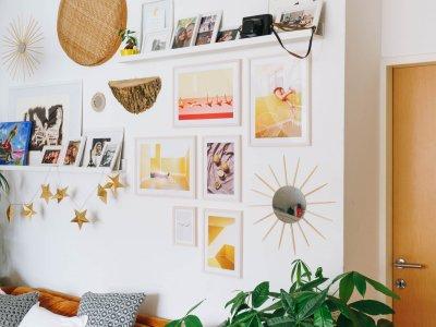 DIY Wohnzimmer-Wand: neue Bilder von Desenio*
