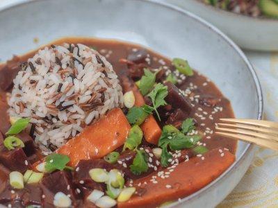 Rote Beete Curry mit Wildreis
