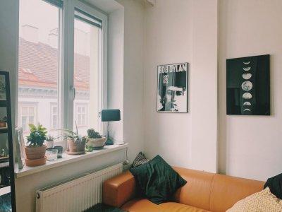 Wie man ein kleines Wohnzimmer einrichtet