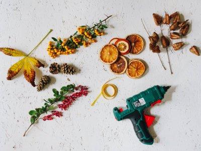 Herbstdeko: DIY Herbstgirlande und wie ich meinen Kamin dekoriere