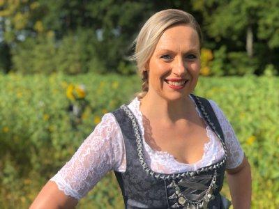 Dressed for Oktoberfest – top gekleidet im Dirndl von Stockerpoint