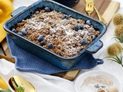 SÜSSES PÄUSCHEN IN BLAU! Heidelbeer-Haferflocken-Crumble mit Vanille-Ricotta-Eis