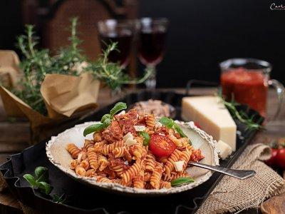 Nudeln mit Thunfisch Tomaten Sauce – glutenfrei