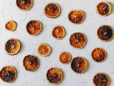 Herbstdeko: DIY getrocknete Orangenscheiben