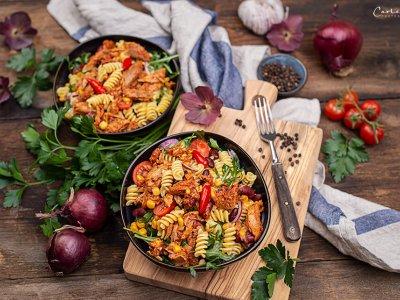 Thunfisch Nudelsalat mit Mais & Bohnen
