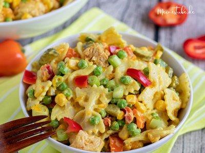Nudelsalat mit Pute, Curry und Mandarinen