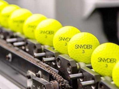 SNYDER – Golfbälle und Accessoires mit Innovation und Leistung