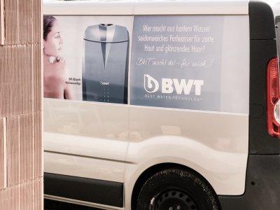 Einbau der Weichwasseranlage und des  Wasserschutzfilters von BWT