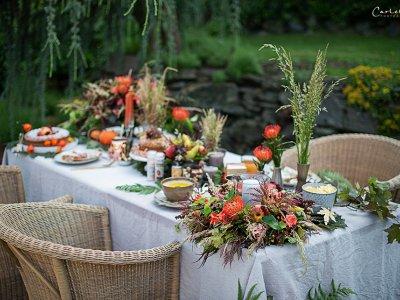 Herbstliche Gartenparty – gedeckter Tisch