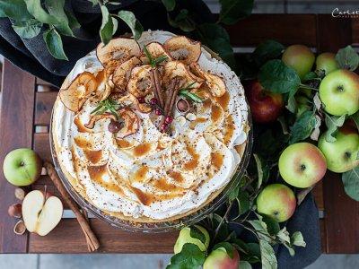 Apfelstrudel Torte mit Zimtcreme