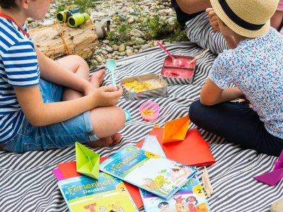 Anzeige. Mit VERITAS Ferienheften ins neue Schuljahr starten & unsere Sommerferien Bucket List mit Kindern plus Verlosung