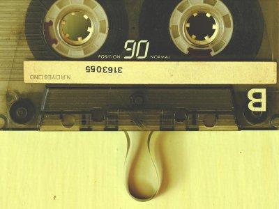 Typische Geräusche der 90er