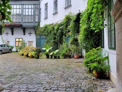Bezaubernde Innenhöfe und Geheimgänge in Wien – Teil 2
