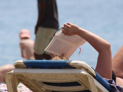 Buchtipps für den Urlaub aus der 1000things-Redaktion