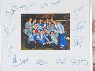RyderCup Charity-Auktion: Signiertes Team Europe Foto