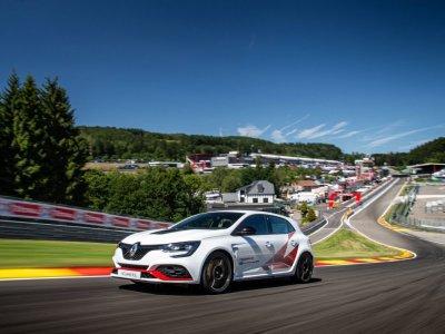 Renault Mégane R.S. Trophy-R fährt neuen Rundenrekord
