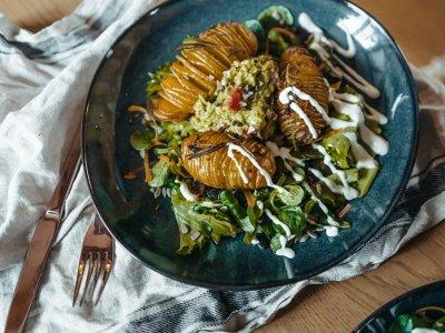 Hasselback Kartoffeln mit Guacamole