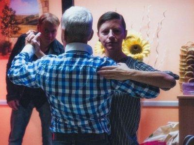 Wir waren beim ersten Queer Dance im Gemeindebau