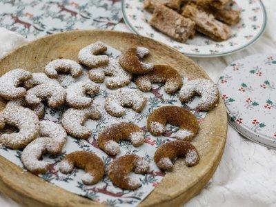 LASSET DEN PUDERZUCKER RIESELN! Die besten Vanillekipferl mit Mandeln und Einkornmehl